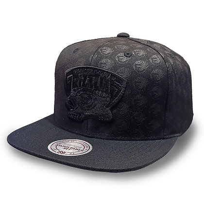 Vancouver Grizzlies Mitchell and Ness Dark Repeater Snapback