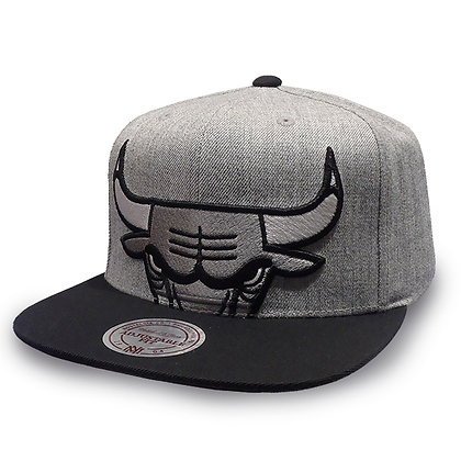 Chicago Bulls Mitchell and Ness Crop XL Grey/ Black Snapback