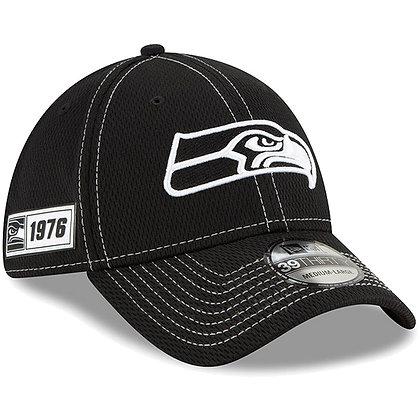 Men's Seattle Seahawks New Era Black 2019 Sideline Road 39THIRTY Flex Hat