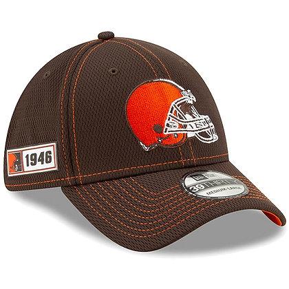 Men's Cleveland Browns New Era Brown 2019 Sideline Road 39THIRTY Flex Hat