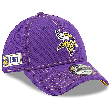 Men's Minnesota Vikings New Era Purple 2019 Sideline Road 39THIRTY Flex Hat