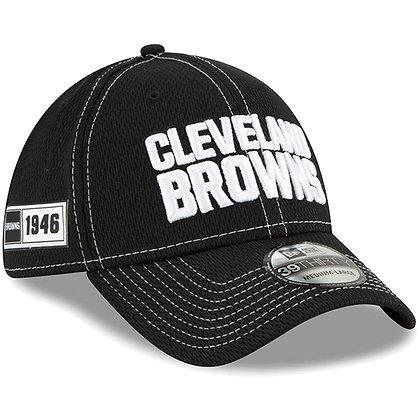 Men's Cleveland Browns New Era Black 2019 Sideline Road 39THIRTY Flex Hat