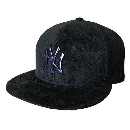 Men's New York Yankees New Era Sueded Metal 9FIFTY Black Navy Snapback