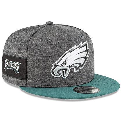 Men's Philadelphia Eagles New Era Green 2018 NFL Sideline Graphite 9FIFTY Snapba