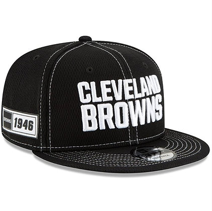 Men's Cleveland Browns New Era Black 2019 Sideline Road 9FIFTY Snapback