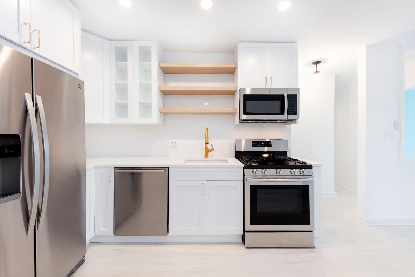 243-MacDonald-4s-Kitchen1.jpg