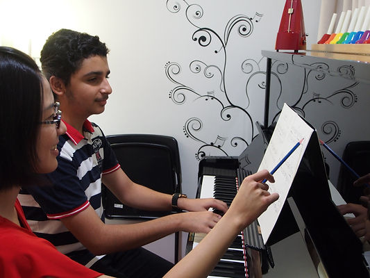 Graded piano lessons