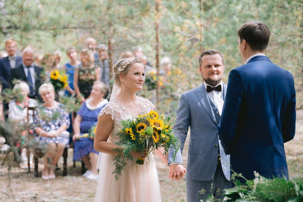 abielu-registreerimine-metsas