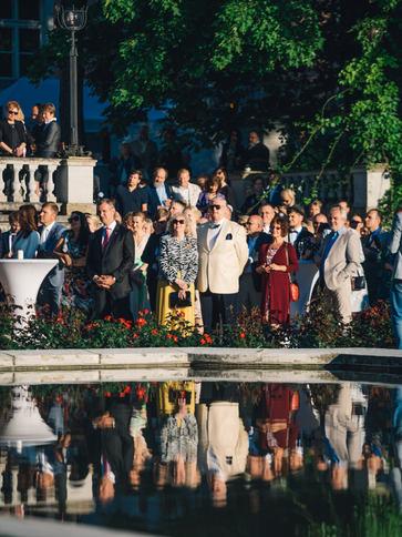 külalised-roosiaias