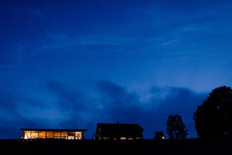blue-hour-vidrike-puhjejeskus