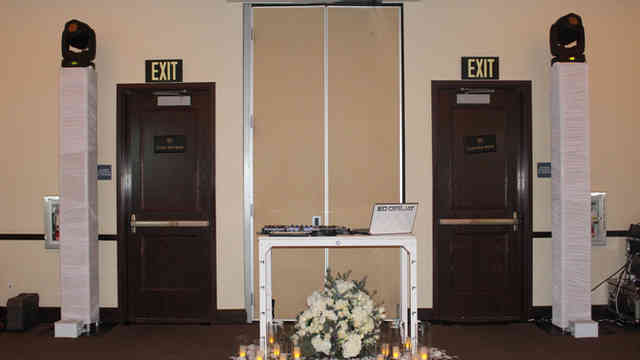 Wedding dj with Wedding Floral Decor