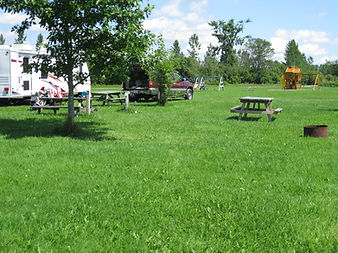 Renfrew Camping Golf View sites