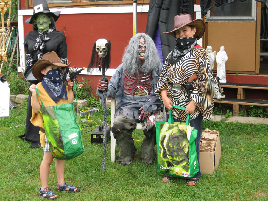 trick or treaters at Renfrew Camping