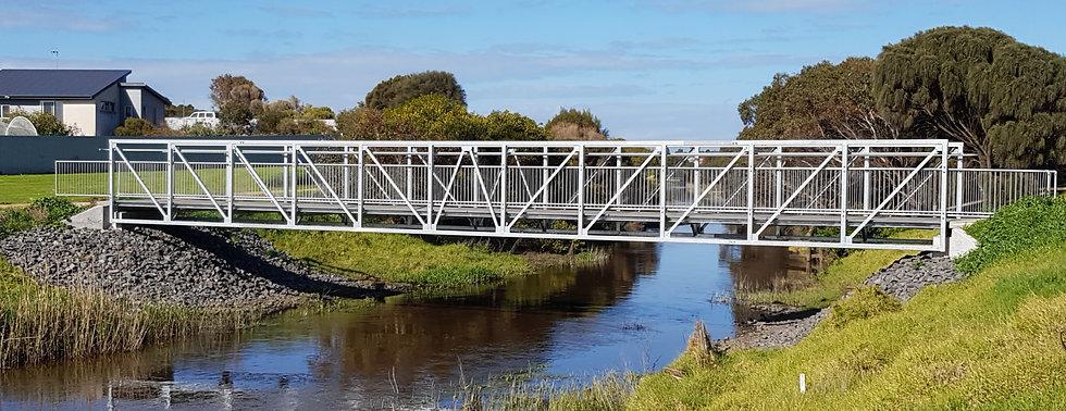 Pedestrian Bridge Teleo Design