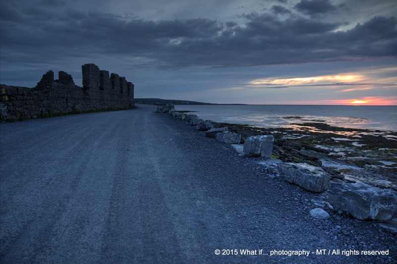 Turn around the ruins by sunset, Inishmore - Aran Islands (Ireland)