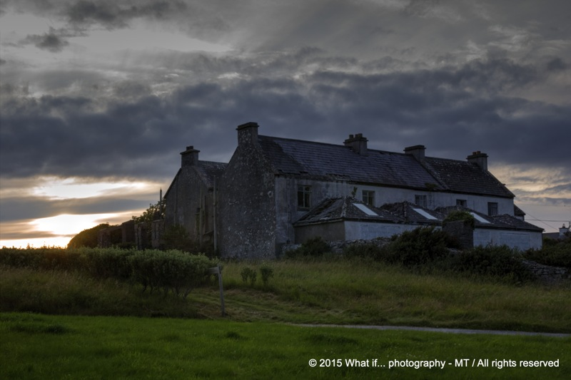 Deserted home by sunset, Inishmore - Aran Islands (Ireland)