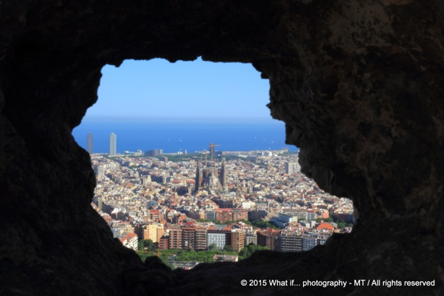 Entrance to a dazzling view on city and sea (BCN)