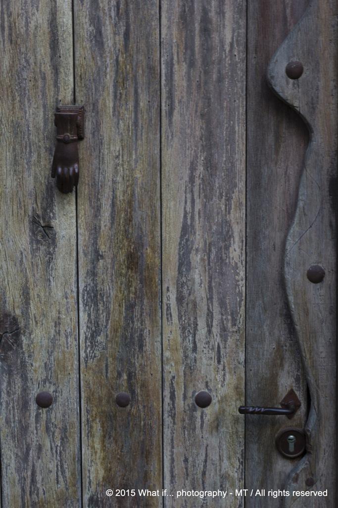Hand on the door (Durbuy)