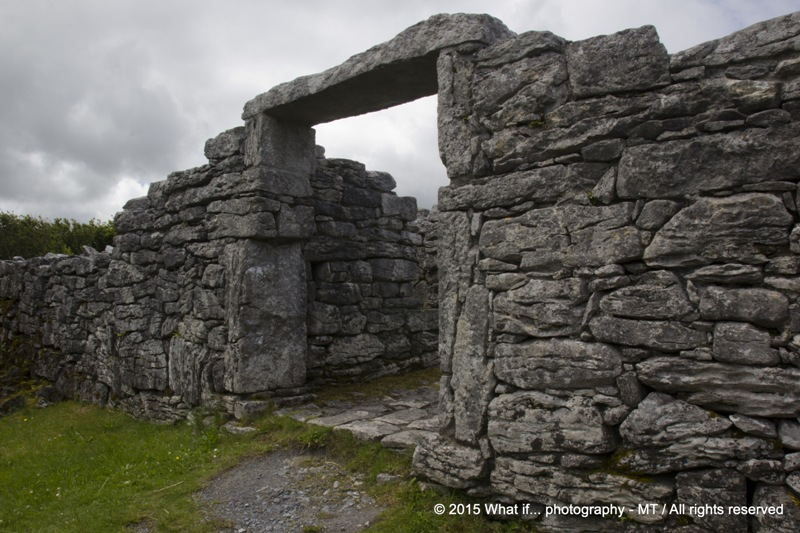 Entrance to the ringfort on the Burren way, Clare (Ireland)