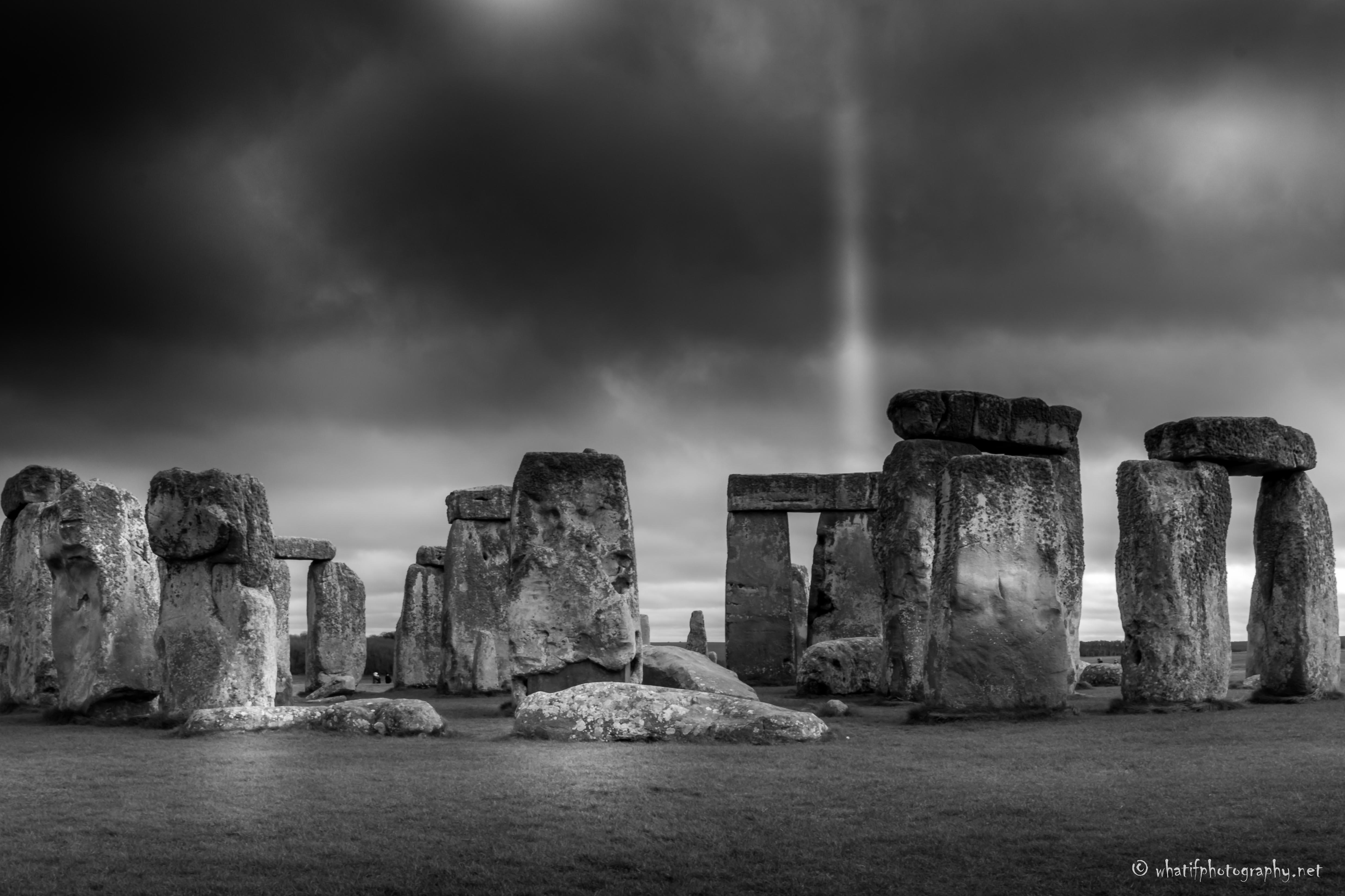 Stonehenge B&W