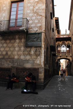 mysterious street musicians in Gothic Quarter