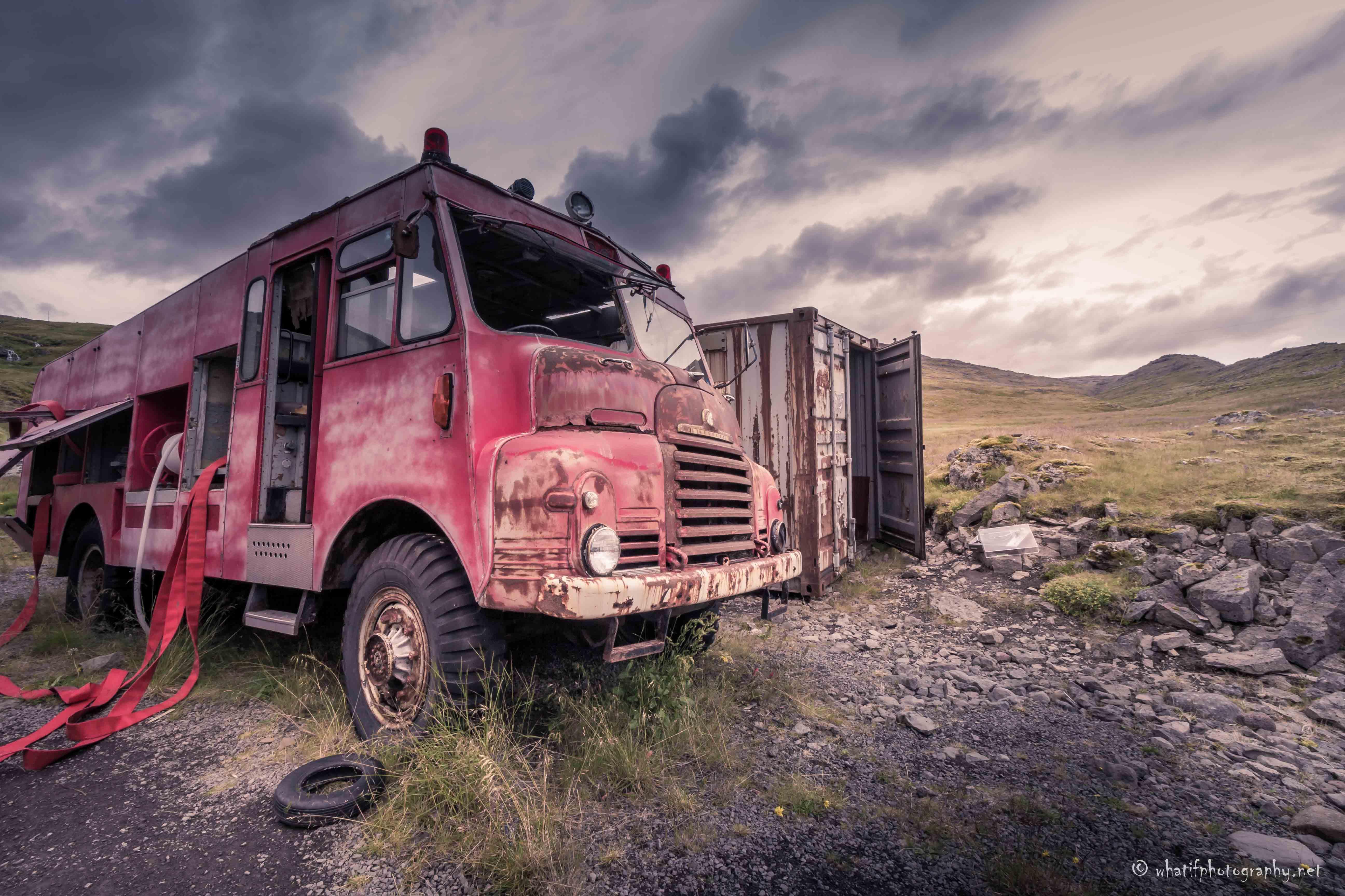 Abandoned_fire_truck_in_Breiðavík,_Icela