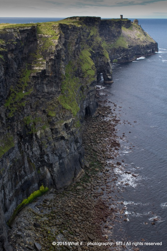 Seaside path on the Cliffs of Moher (Ireland)