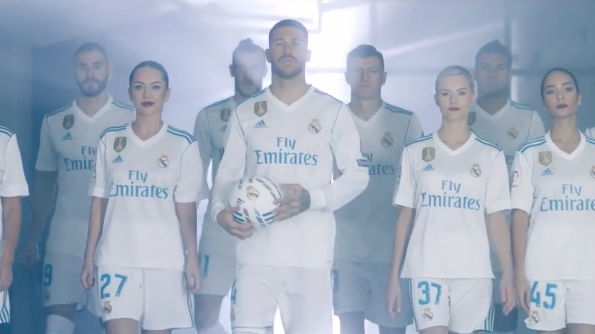 EMIRATES & REAL MADRID · ONE TEAM EMIRATES AIRLINE