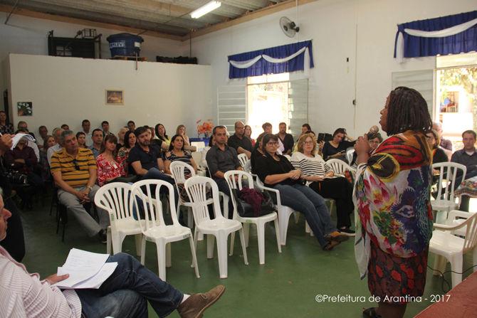 Arantina discute Educação Integral em escolas do município
