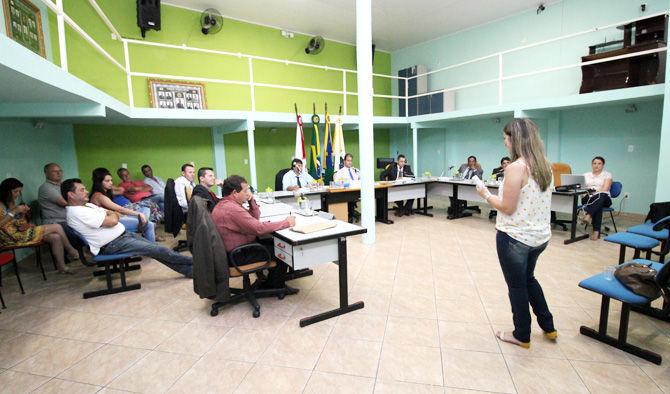 Orçamento municipal de 2016 é tema de audiência pública no plenário da Câmara
