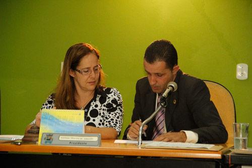 Câmara aprova projetos de lei para implantação de curso preparatório para vestibulares e ENEM, em Passa Vinte