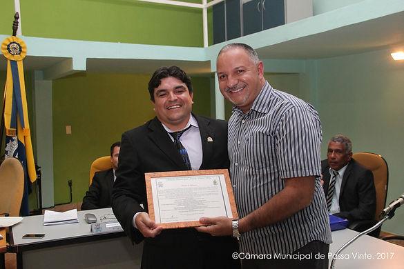 Padre Luciano Atanázio é homenageado no Legislativo Municipal