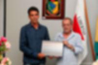 Prefeito Cacá recebe homenagem na Câmara Municipal