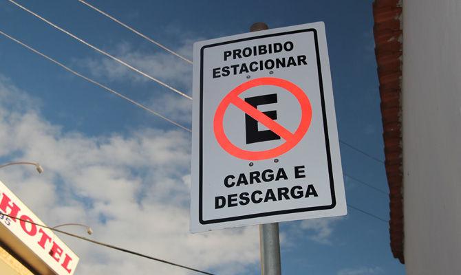 Nova sinalização modifica trânsito em Arantina