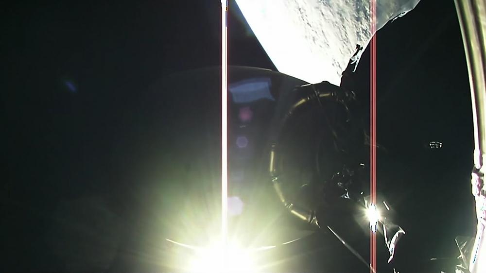 Elons Musks persönlicher Tesla Roadster ist direkt mit derSpaceX-Rakete Heavy Falcon verbunden