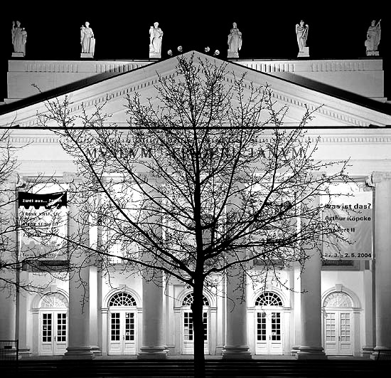 7000 Oaks by Joseph Beuys (documenta 7); Foto: Malte Ruhnke (CC BY-SA 3.0)