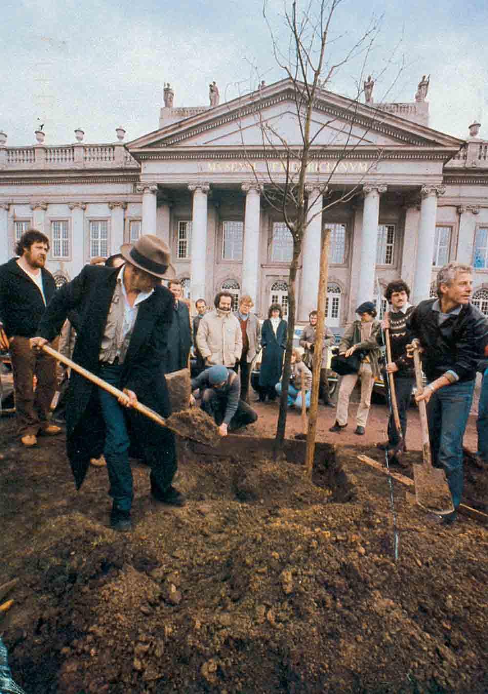 "Joseph Beuys, ""7000 Oaks"", 1982–1987."