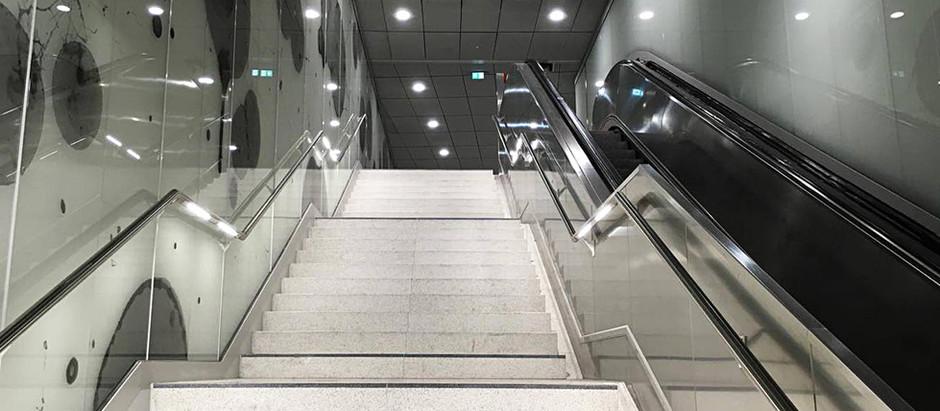 Hamburger Hochbahn AG · Ausbau U4 · Interieur-Glas