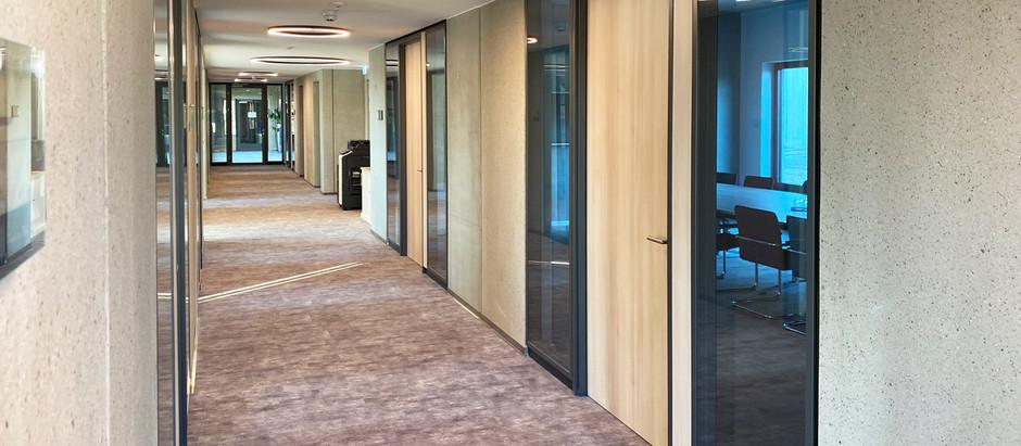 Geschäftsräume in Berlin · Systemtrennwand · Trennwandsystem