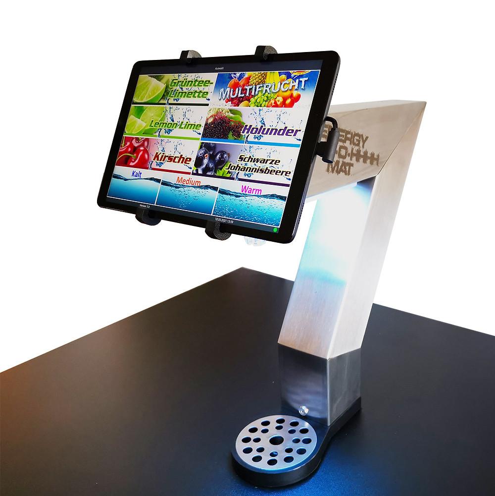 ENERGY-O-MAT Drink Fit TAB: Unser Ausschanksystem mit hochwertigem Edelstahl-Zapfkopf und Tablet-Android-Steuerung für Mineraldrinks in 6–8 Geschmacksrichtungen.
