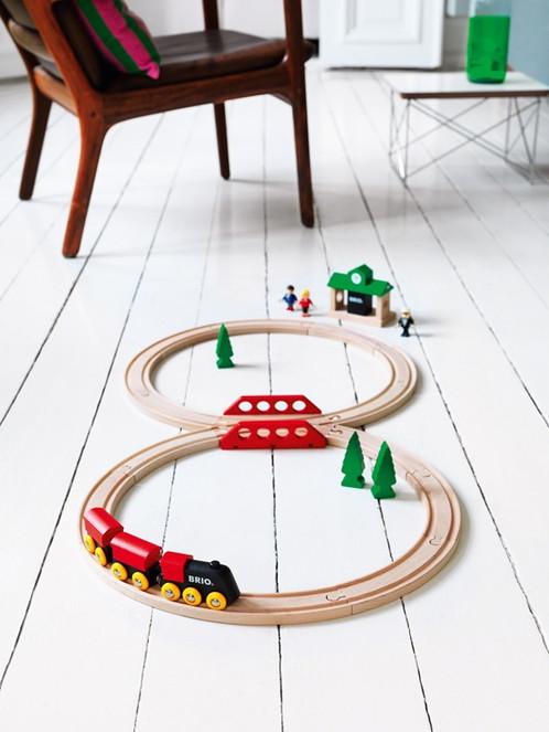 BRIO Classic Figure 8 Railway Set (Brio 33028)
