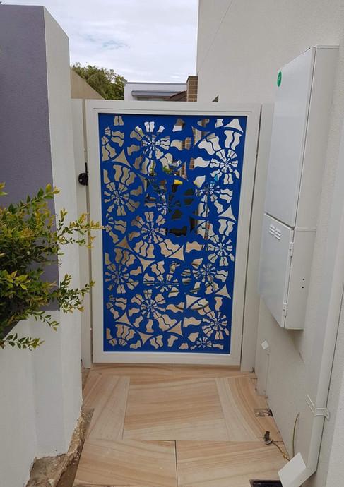 Classic Aluminium - Blue lazer fence
