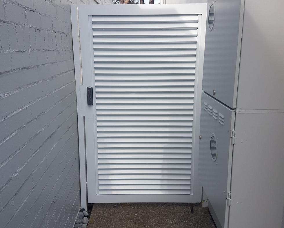 Side Gate - Lock