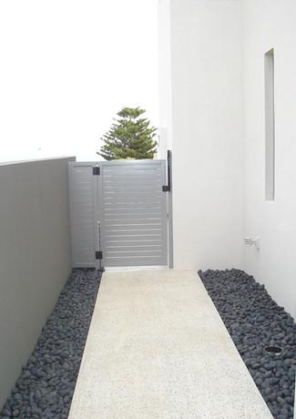 Classic Aluminium - Grey Side gate - Distance