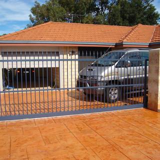 Classic Aluminium Perth - Custom Made Electronic Aluminium Driveway Gate