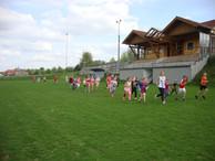 Lauftraining am Sportplatz