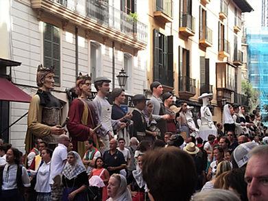 PALMA los gigants Canamunt y canavall géants défilé fête locale majorque