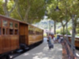 Soller - tren de Soller - Ferrocarril de Soller Soller train village montagne Majorque