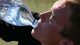 L'EAU, quand et quelle quantité boire par jour pour bien s'hydrater?