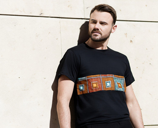 Camiseta Negra Postal África